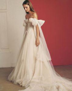 33 Off The Shoulder Wedding Dresses To See And Fall In Love ❤ off the shoulder wedding dresses sweetheart neckline simple galia lahav #weddingforward #wedding #bride #weddingoutfit #bridaloutfit #weddinggown