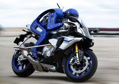 MOTOBOT  http://global.yamaha-motor.com/jp/news/2015/1028/tms-03.html#01