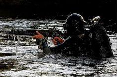 Brasil Em Defesa: SIG SG 550 - Das Forças Especiais da FAB
