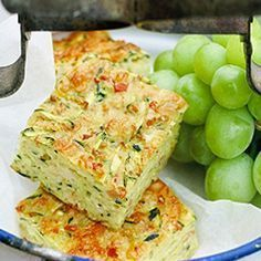 5 eggs, 150 g flour, 1 teaspoon baking powder, grated zucchini, 1 large… Veggie Recipes, My Recipes, Cooking Recipes, Healthy Recipes, Hungarian Recipes, Savory Snacks, Healthy Sweets, Quiche Muffins, Zucchini