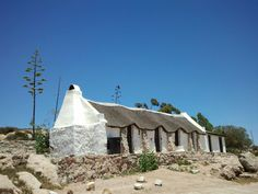 Near Elandsbaai, West Coast, Western Cape Province, South Africa. Photo by Martie van Niekerk The Beautiful Country, Beautiful Places, Places To Travel, Places To See, Fishermans Cottage, South Afrika, African House, Cape Dutch, Building Painting