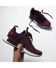 Chaussure Adidas NMD R1 Femme Bordeaux Blanc Chaussure Bordeaux Femme 7454bc624d4