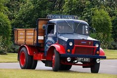 BEDFORD VEHICLES - TRUCK-UK HISTORIC Man Cave Garage, Garage Bar, Rv Truck, New Trucks, Classic Trucks, Classic Cars, Vauxhall Motors, Bedford Truck, Cave Bar