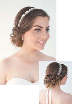 Estilo recogido con una diadema plateada para darle toque elegante. #Hair #Styles #Wedding #AmigaBodas #UpDo #HairTrends