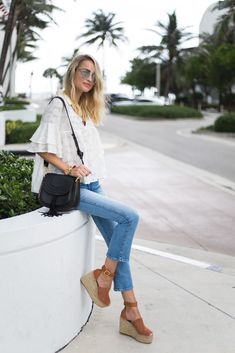 Little Blonde Book by Taylor Morgan | A Life and Style Blog : Feeling Those 70s Vibes