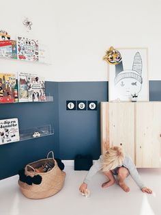 I want this wonderful kids playroom Half Painted Walls, Casa Kids, Kids Room Design, Design Girl, Design Bedroom, Design Design, Design Ideas, Kid Spaces, Boy Room