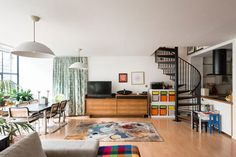 Apartment in the 1930s Sir Owen Williams Pioneer Centre in London SE15