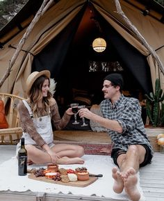 Our team sources unique Glamping accessories from around the world to create the Xperience. Our wonderful Glamping accessories are made with a lot of love and care by craftsman. Luxury Tents, Luxury Camping, Bell Tent Camping, Collapsible Storage Bins, Shower Tent, Tent Sale, Portable Toilet, Camping Lanterns, Fire Starters