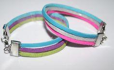 Rainbow Armband. Die Lederimitatbänder gibt es in vielen verschiedenen Farben und können von dir beliebig kombiniert werden.  Gibt es auch als Partybox für 10 Kinder incl. Material und Anleitung  Euro 15,-- erhältlich bei www.perlensucht.at Party Box, Euro, Material, Personalized Items, Bracelets, Jewelry, Nice Things, Simple, Arts And Crafts