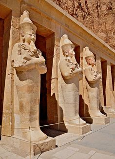 The mortuary of Queen Hatshepsut, Valley of the Queens, Egypt (by Deir el Bahri. I was fortunate to be able to visit there in the late Ancient Ruins, Ancient Artifacts, Ancient History, Art History, European History, Ancient Greece, Ancient Egyptian Architecture, Egypt Art, Egypt Travel