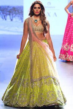 Anushree Reddy at Lakmé Fashion Week Winter/Festive 2017 l Vogue India Indian Skirt, Indian Dresses, Indian Outfits, Indian Designer Outfits, Designer Dresses, Designer Lehanga, Lakme Fashion Week 2017, Bollywood, Cw Series