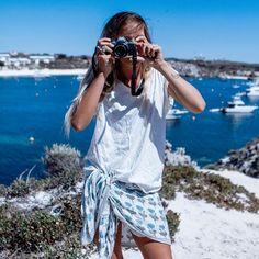 Tenue de plage femme – que porter au-dessus du maillot de bain en 22 idées