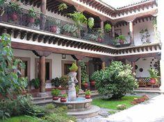 Mexico Guru - Mexican Design - Patios and Courtyards