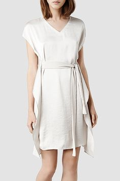23 Dresses Perfect For Your City Hall Wedding #refinery29 http://www.refinery29.com/city-hall-wedding-dresses#slide19