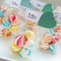 Meringue kisses rainbow version as party favors by bella's bakery (monza) http://www.bellasbakery.it