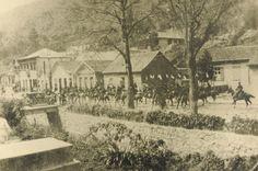 Tropa de Cavalaria na rua Quatorze de Julho
