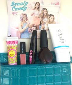 October 2014 IPSY Glam Bag Review and Photos. #ipsy #beautycandy my first glam bag came today!