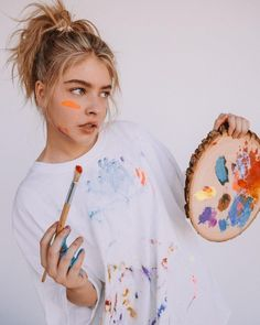 Painter Photography, Portrait Photography Poses, Photography Women, Creative Photography, Marla Catherine, Kreative Portraits, Photographie Portrait Inspiration, Artsy Photos, Artist Aesthetic