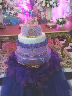 Vendo bolo fake Princesa Sophia