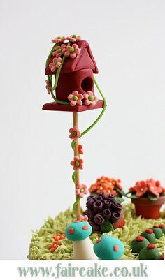 The Secret Garden Cake - birdhouse