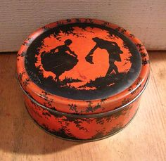 Vintage Wrisley Powder Tin Box