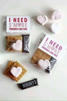 I Need S'more Friends Like You Valentine….these are the BEST Valentine Ideas for Kids! I Need S'more Friends Like You Valentine….these are the BEST Valentine Ideas for Kids! Funny Valentine, Roses Valentine, Kinder Valentines, Homemade Valentines, Valentines Day Treats, Valentine Day Crafts, Valentine Box, Printable Valentine, Valentines Ideas For School