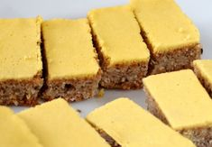 Ořechové řezy – Kulinář.cz Cornbread, Deserts, Ethnic Recipes, Food, Pineapple, Millet Bread, Essen, Postres, Meals