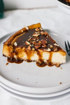 Vegan Cheesecake with homemade Caramel Caramel Cheesecake, Vegan Cheesecake, Cheesecake Recipes, Vegan Sweets, Sweets Recipes, Caramel Vegan, Vegan Pie, Vegan Food, Diet Desserts