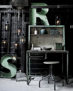 """Industrial Interior for your home office - realy feels like """" She is working hard for the money """""""