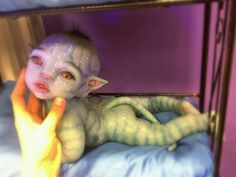This is a silicone Avatar reborn, that sold for 5 grand! Love it, but the price is just crazy! Silicone Reborn Babies, Silicone Dolls, Reborn Baby Dolls, Avatar Baby Doll, Avatar Babies, Silikon Baby, Life Like Babies, Realistic Baby Dolls, Lifelike Dolls