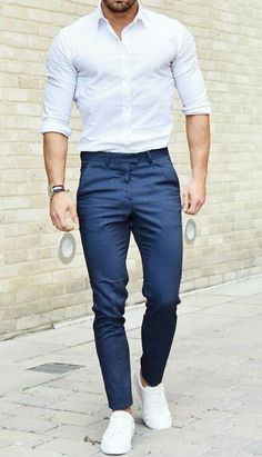 Denim Shirt With Jeans, Ripped Jeans, Denim Shirts, Mens Fashion Suits, Mens Suits, Men's Fashion, Fashion Menswear, Denim Outfit, Summer Shorts Outfits
