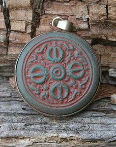 Dorje Vajra pendant - look4treasures op Etsy, $22.95