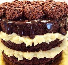 Bolo prestígio de brigadeiro, você nunca viu nada igual, você nunca comeu nada igual, ganhe dinheiro vendendo esse bolo, veja a receita na integra.  http://cakepot.com.br/bolo-prestigio-de-brigadeiro/
