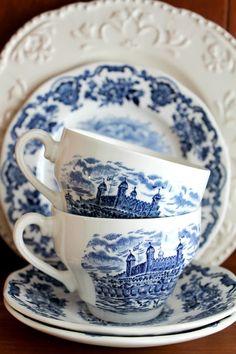 blue transferware.. my favorite dishware!!!!! gorgeous!!!!