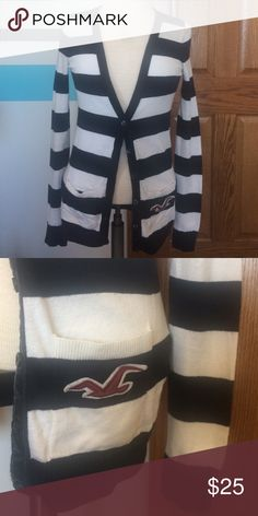 Hollister Striped Navy & White Cardigan Button Sma Hollister Striped Cardigan, dark navy blue & white color, Size Small, pockets, Button Up, bird logo on pocket. Only worn once. In very good condition. Please ask any questions  💲Open To Offers💲 🚫No Trades🚫 📦Ask About Bundle Discounts💰 Hollister Sweaters Cardigans