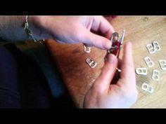 Hoe maak ik een tas van bliklipjes - YouTube