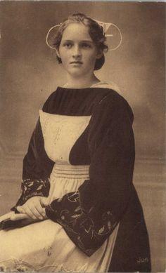 Le costume breton -  Chateaulin