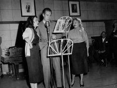 Perla Santalla e Ivan Grondona. Radio MITRE, Buenos Aires, 1955.