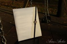 Carte de oaspeti pentru nunta si botez #cartedeoaspeti #guestbook #botez Guestbook, Bucket Bag, Bags, Handbags, Bag, Totes, Hand Bags
