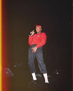 Rapper Wallpaper Iphone, Rap Wallpaper, Yg Rapper, Rapper Art, Yg 4hunnid, Tupac Art, Mode Hip Hop, Photo Recreation, Vintage Street Fashion