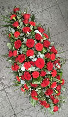 Double Ended Spray Source by aiviliv Large Flower Arrangements, Funeral Flower Arrangements, Funeral Flowers, Floral Bouquets, Wedding Bouquets, Floral Wreath, Funeral Sprays, Casket Sprays, Sympathy Flowers