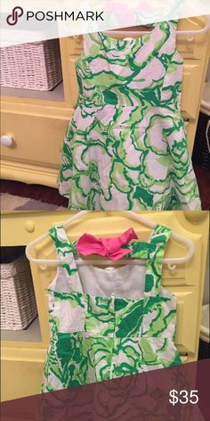 Girls Lilly Pulitzer EUC Dress. Cutout in back with a pink bow. Size 3. Lilly Pulitzer Dresses