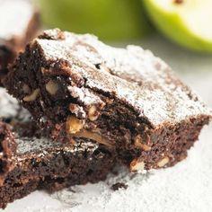 Apple Brownies Recipe Apple Brownies, Chewy Brownies, Potluck Desserts, Dessert Recipes, Apple Recipes, Sweet Recipes, Brownie Recipes, Cookie Recipes, Brownie Heaven
