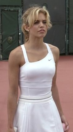 so cute to play tennis in If you are trying to find hairstyles Tennis Outfits, Tennis Dress, Tennis Clothes, Nike Clothes, Tennis Shirts, Tennis Fashion, Sport Fashion, Fitness Fashion, Celebrity Style Guide
