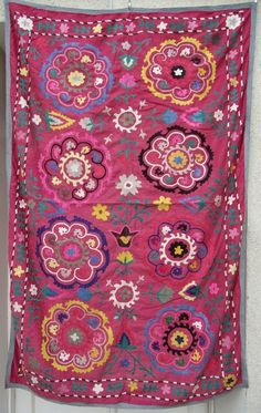 UZBEK VINTAGE HAND EMBROIDERY DECORATION SUZANI