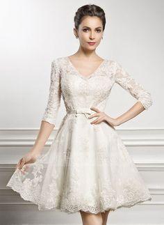 Corte A/Princesa Escote en V Hasta la rodilla Satén Encaje Vestido de novia con Lazo(s) (002056986)