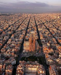 What a beautiful of Barcelona 😍 Pic via @luxurylifecompany sharing the best of luxury lifestyle and elegant captures 👌🏻 - - - 📷 © Amos Chapple || #mrclassygent