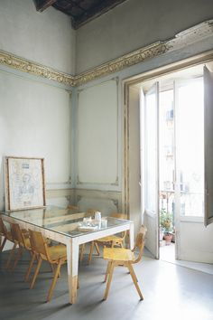 Apartment in 16th-century palazzo in Palermo. Photography by Beppe Brancato (click for more)