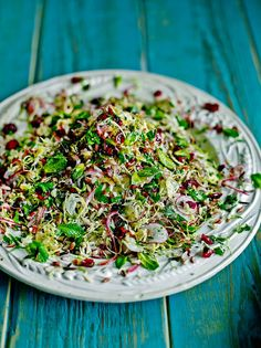 Wild rice & Brussels sprout super salad healthy mom, healthy food, health and fitness, busy mom, healthy recipes Vegan Recipes Easy, Vegetarian Recipes, Wild Rice Recipes, Wild Rice Salad, Sprouts Salad, C'est Bon, A Food, Salad Recipes, Food Processor Recipes