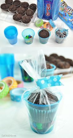 Easy Party Treat Cup Ideas Giveaway Make the cutest and easiest treat cups place mini MMs in the bottom of a SOLO cup then add brownie muffin from your grocers bake. School Treats, School Snacks, School Birthday Treats, Party Treats, Party Favors, Diy Party, Food Gifts, Kids Meals, Party Planning